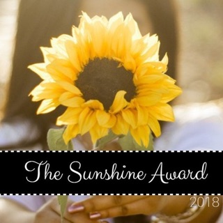 The Sunshine Blogger Award : Red Lips and Rosé