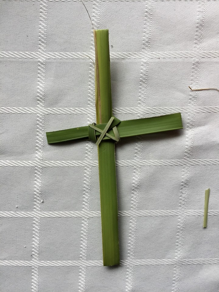 How to Create Crosses out of Palms for Easter